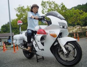 Shouji ride on bike2.JPG
