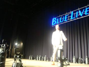 b10-stage-jyou-airguitar.jpg